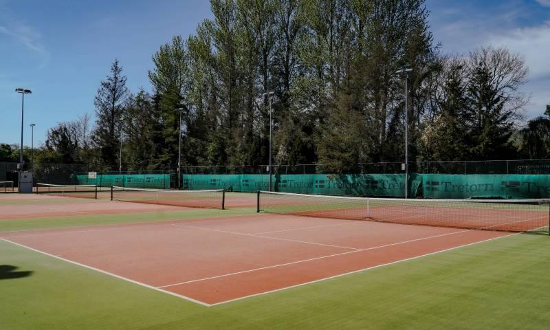 Astro Courts