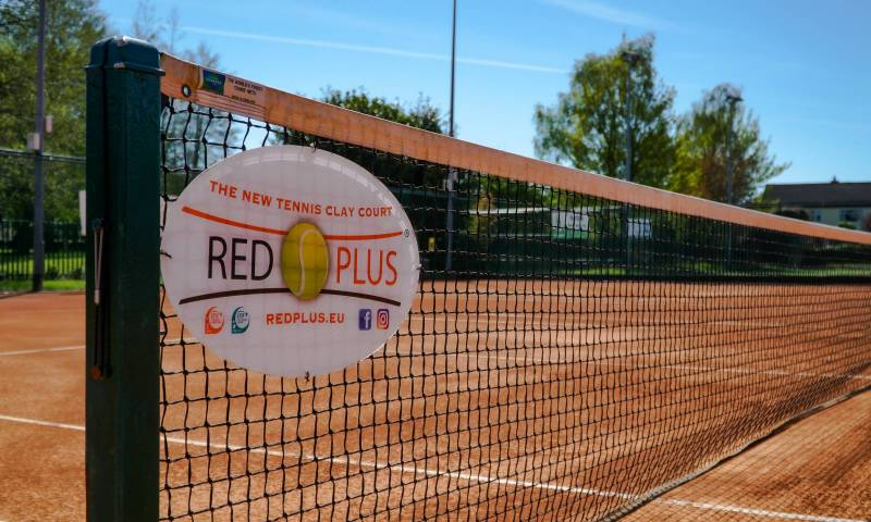 Clay Courts Red Plus